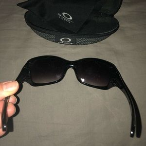 Oakley Accessories - BRAND NEW Oakley Sunglasses